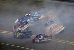 Austin Cindric, Brad Keselowski Racing Ford, crash