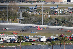 Crash van Spencer Gallagher, GMS Racing Chevrolet, Garrett Smithley, Chevrolet, Anthony Kumpen, Chev