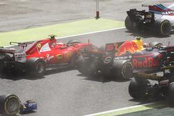 Столкновение: Кими Райкконен, Ferrari SF70H, и Макс Ферстаппен, Red Bull Racing RB13