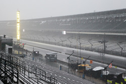Eső az Indianapolis Motor Speedwayen
