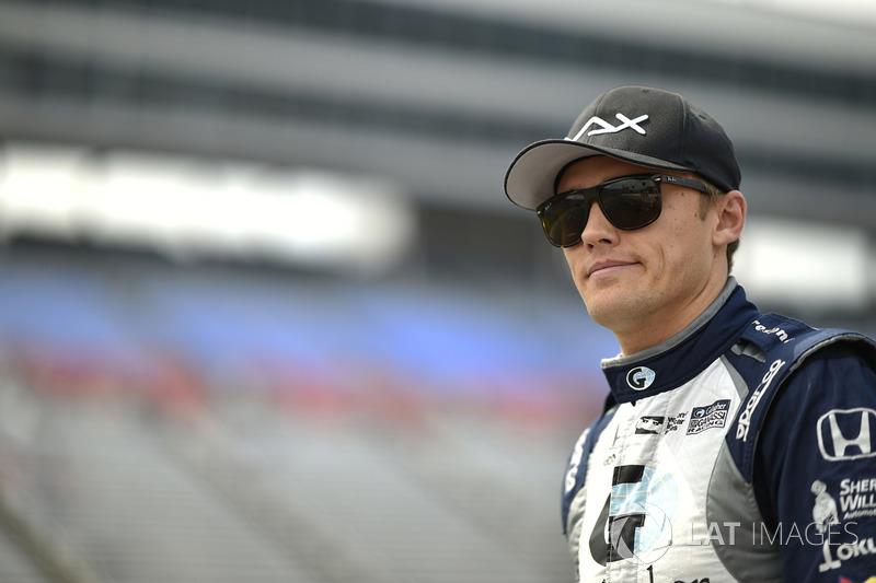 "Carlin: <img src=""https://cdn-7.motorsport.com/static/img/cfp/0/0/0/200/227/s3/united_kingdom-2.jpg"" alt="""" width=""20"" height=""12"" />Макс Чилтон (№ 59)"