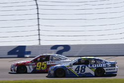 Jimmie Johnson, Hendrick Motorsports Chevrolet Michael McDowell, Leavine Family Racing Chevrolet