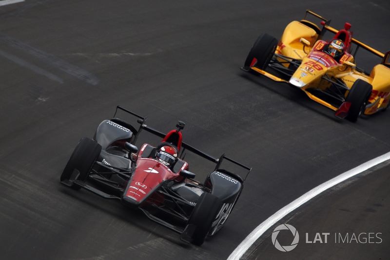 В квалификации на овале в Техасе, где проходил следующий этап чемпионата, Алешин стал седьмым