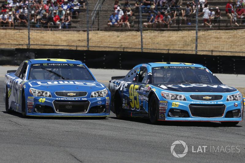 Michael McDowell, Leavine Family Racing Chevrolet Jimmie Johnson, Hendrick Motorsports Chevrolet