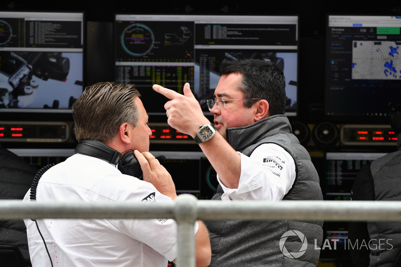 Виконавчий директор McLaren Зак Браун, гоночний директор McLaren Ерік Бульє