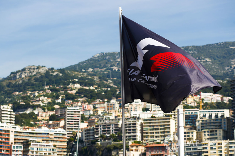 F1 Flag above the harbour