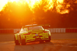 #911 Manthey Racing, Porsche 911 GT3 R: Romain Dumas, Richard Lietz, Patrick Pilet, Richard Lietz