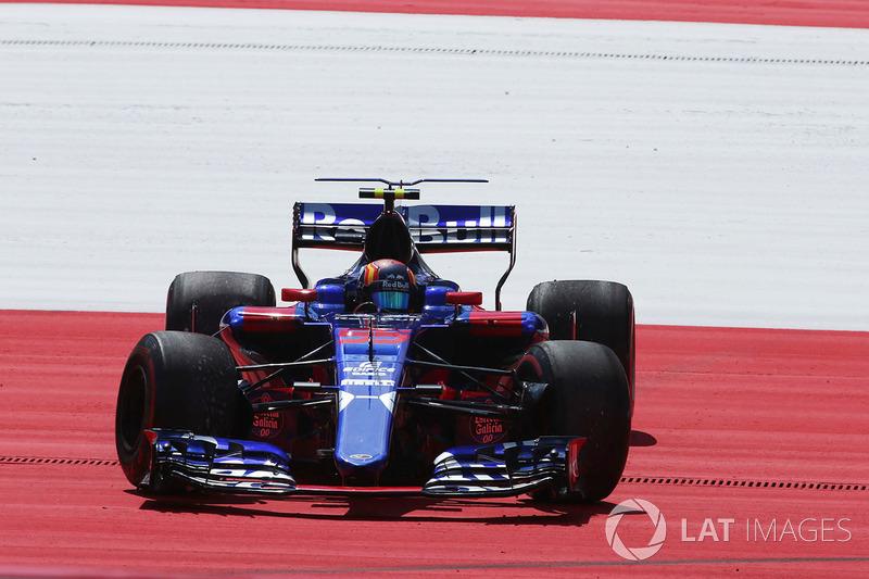 Carlos Sainz Jr., Scuderia Toro Rosso STR12 gira