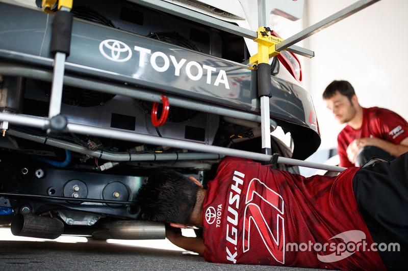 Ken Gushi's Toyota mechanics