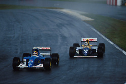 Mark Blundell, Ligier JS39 leads Damon Hill, Williams FW 15C