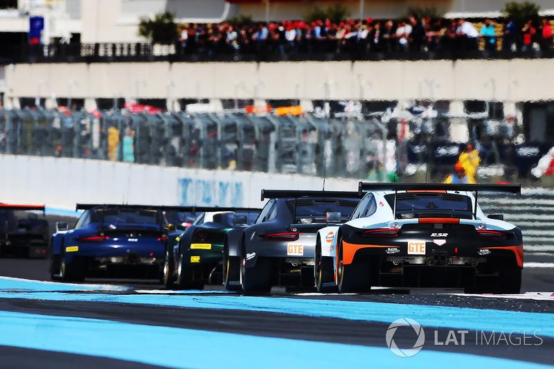#86 Gulf Racing Porsche 911 RSR: Michael Wainwright, Alexander Davison, Ben Barker