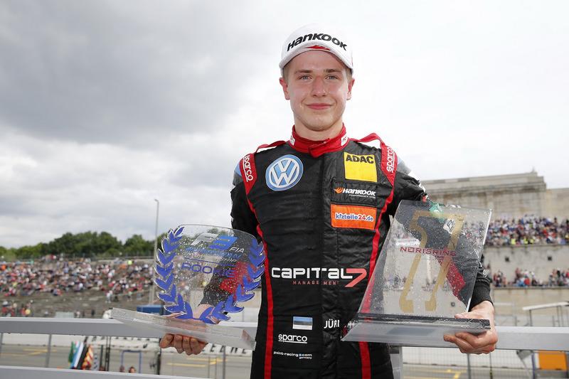 Le vainqueur Jüri Vips, Motopark Dallara F317 - Volkswagen