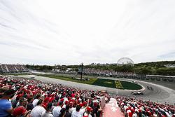 Фернандо Алонсо, McLaren MCL33, Кевин Магнуссен, Haas F1 Team VF-18, и Пьер Гасли, Scuderia Toro Rosso STR13