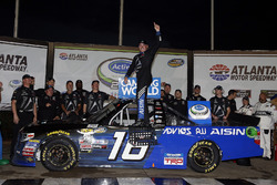 Brett Moffitt, Hattori Racing Enterprises, AISIN Atlanta Toyota Tundra in victory lane
