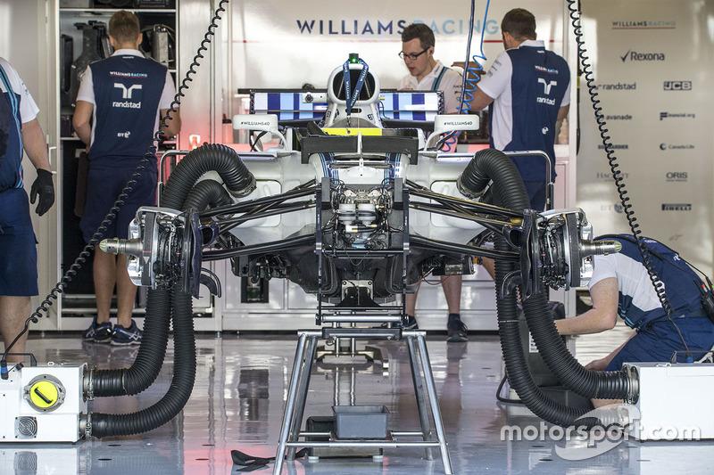 El Williams FW40 en el garaje