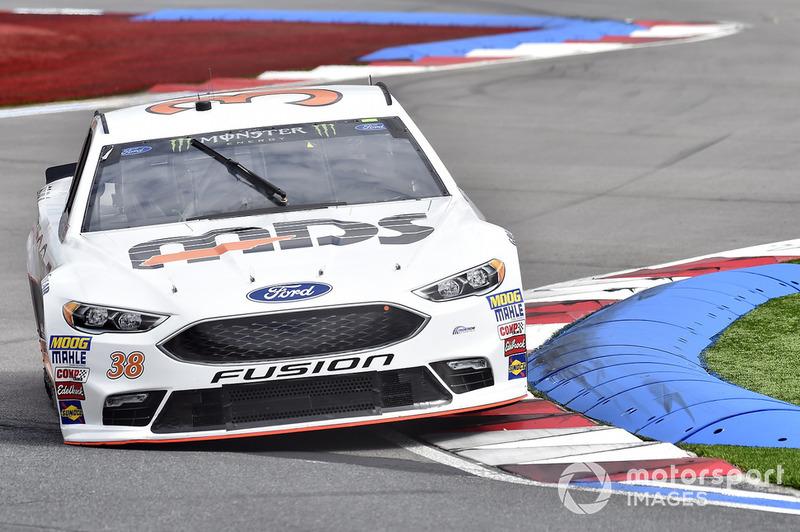 30. David Ragan, Front Row Motorsports, Ford Fusion MDS Transport