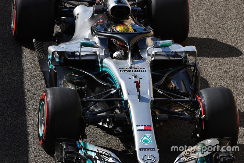 Lewis Hamilton, Mercedes AMG F1 W09 EQ Power+, avec le numéro 1 à l'avant