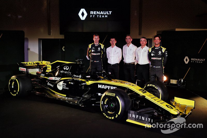 Daniel Ricciardo, Renault Sport F1 Team, Nico Hulkenberg, Renault Sport F1 Team, Cyril Abiteboul, Renault Sport F1 Managing Director, Nick Chester, Renault Sport F1 Team Technical Director, Remi Taffin, Head of Renault Sport F1 Track Operations