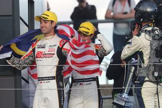 Podium LMP2: deuxième place #37 Jackie Chan DC Racing Oreca 07 Gibson: Jazeman Jaafar, Weiron Tan, Nabil Jeffri