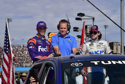 Denny Hamlin, Joe Gibbs Racing Toyota, Marty Snider, Ryan Blaney, Wood Brothers Racing Ford