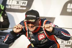 Podio: ganador de la carrera Gabriele Tarquini, BRC Racing Team Hyundai i30 N TCR