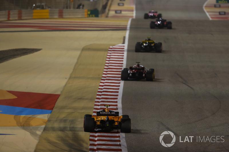 Carlos Sainz Jr., Renault Sport F1 Team R.S. 18, Marcus Ericsson, Sauber C37 Ferrari, and Stoffel Vandoorne, McLaren MCL33 Renault