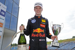 Подіум: переможець Ден Тіктем, Motopark