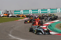 Старт гонки: Валттери Боттас, Mercedes AMG F1 W09