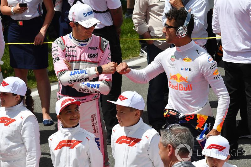 Esteban Ocon, Force India F1 e Daniel Ricciardo, Red Bull Racing, in griglia