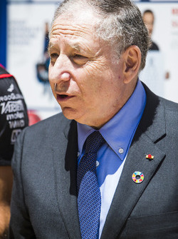Jean Todt dans l'E-Village avec Jose Maria Lopez, Dragon Racing. & Lucas di Grassi, Audi Sport ABT Schaeffler
