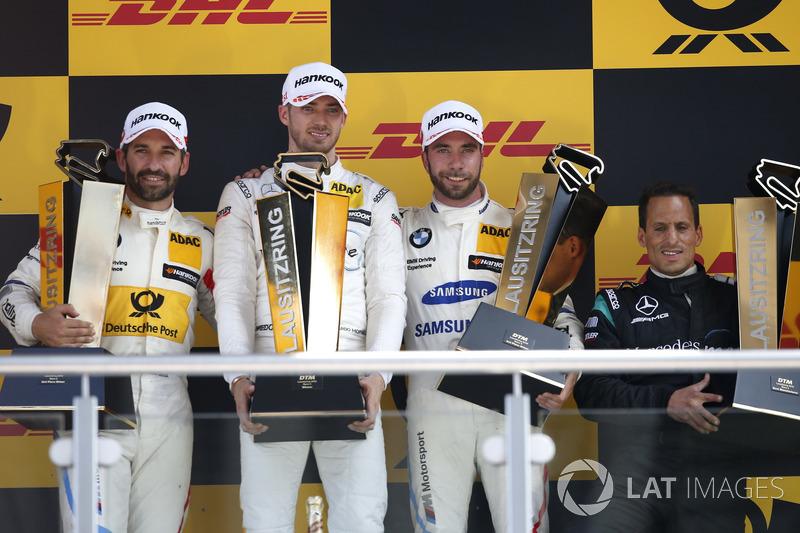 Ну а гонки виграли гонщики Mercedes: Едоардо Мортара - першу...