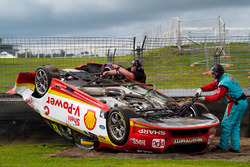 Crash: Fabian Coulthard, Team Penske Ford