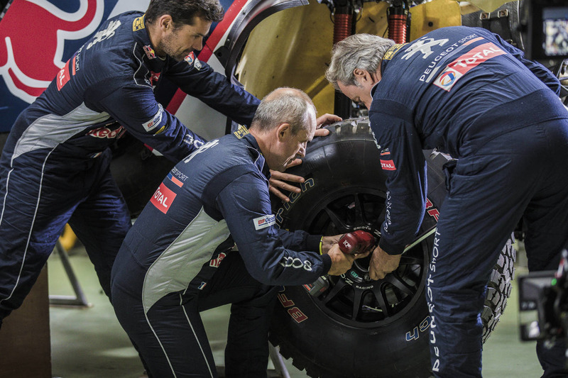 Cyril Despres, Stephane Peterhansel, Carlos Sainz, Peugeot 3008DKR Maxi