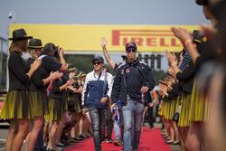 Daniil Kvyat, Scuderia Toro Rosso and Felipe Massa, Williams, on the drivers parade