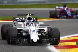 Lance Stroll, Williams FW40, Daniil Kvyat, Scuderia Toro Rosso STR12
