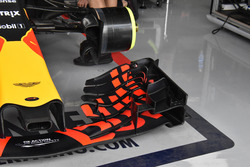 Red Bull Racing RB 13, ala delantera