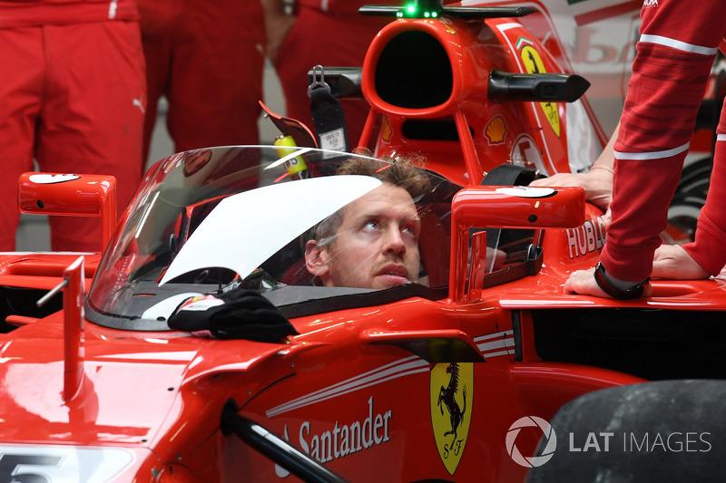 Sebastian Vettel, Ferrari SF70-H, con el escudo protector del cockpit