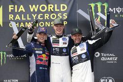 Podium : le vainqueur Johan Kristoffersson, Volkswagen Team Sweden, le deuxième Timmy Hansen, Team Peugeot Hansen, le troisième Petter Solberg, PSRX Volkswagen Sweden