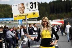 Grid girl de Tom Blomqvist, BMW Team RBM, BMW M4 DTM