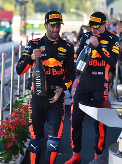 Podyum: 3. Daniel Ricciardo, Red Bull Racing ve 2. Max Verstappen, Red Bull Racing