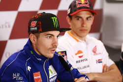 Maverick Viñales, Yamaha Factory Racing; Marc Márquez, Repsol Honda Team