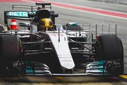 Lewis Hamilton, Mercedes F1 W08, lleva equipo de sensor