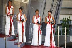 Gridgirls auf dem Podium