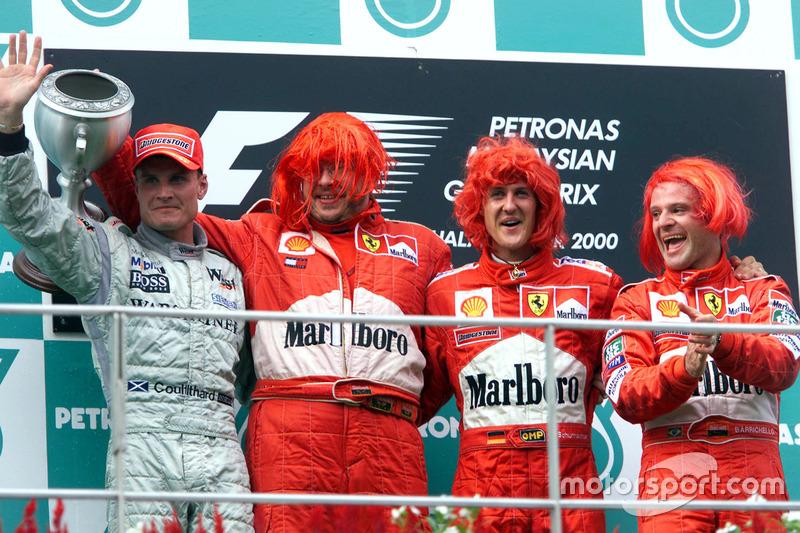 Podium : le second David Coutlhard, McLaren; Ross Brawn, Ferrari; le vainqueur Michael Schumacher, Ferrari; le troisième Rubens Barrichello, Ferrari