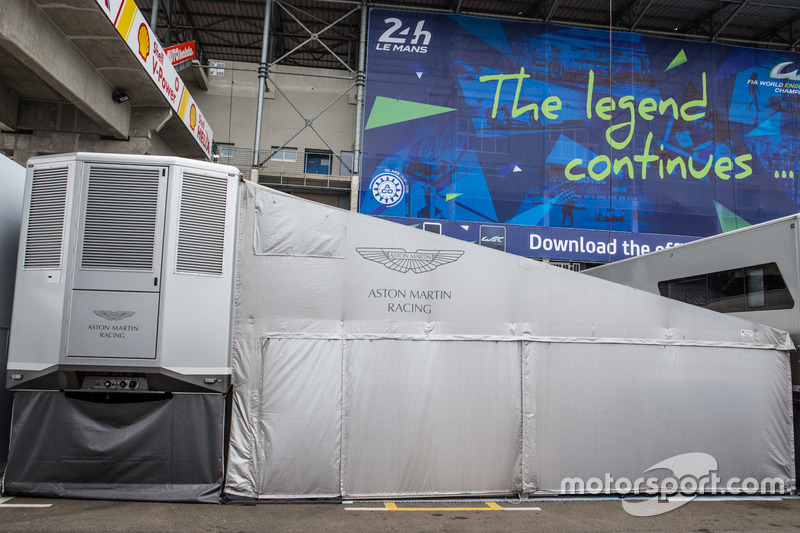 Зона Aston Martin Racing