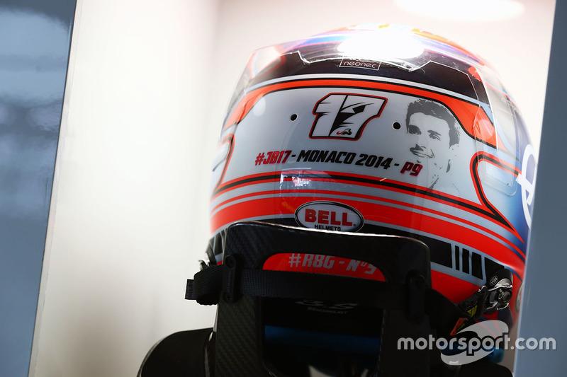 Homenaje para Jules Bianchi en el casco