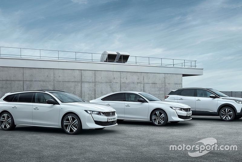 Машини Peugeot із силовими агрегатами Plug-in Hybrid