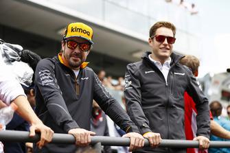 Fernando Alonso, McLaren, con Stoffel Vandoorne, McLaren