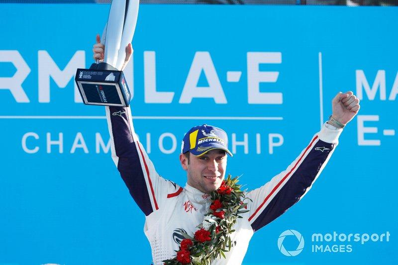 Podio: segundo lugar Robin Frijns, Envision Virgin Racing