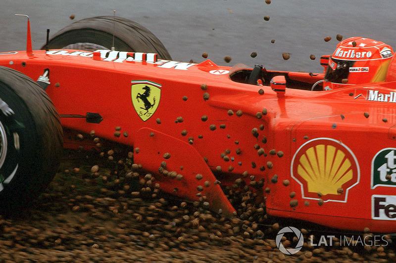 Michael Schumacher en dificultades
